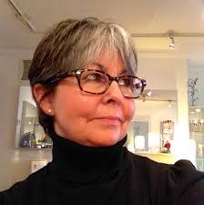 Bio of Linda Gee, owner of Linda Gee Beauty