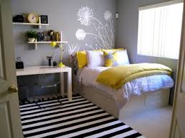 Stylish Double Beds For Small Rooms 17 Best Ideas About Small Double Bedroom