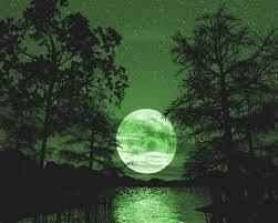 green moon | Green moon, Beautiful moon ...