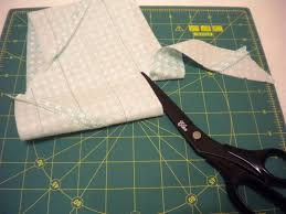 Continuous Bias Quilt Binding: A Step-By-Step Quilting Tutorial & One ... Adamdwight.com