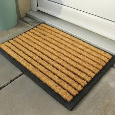 Cozy and Decorative Outside Door Mats | Laluz NYC Home Design