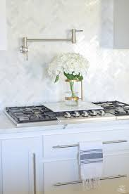 O How To Decorate Kitchen Counter Tops