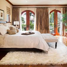Canopy Bed Crown Molding Ivory Flokati Rug Bedroom Mediterranean With Crown Moulding Faux