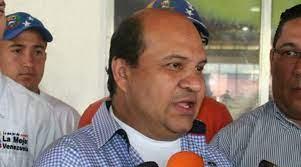 Fiscalía acusó al periodista Roland Carreño de cuatro delitos