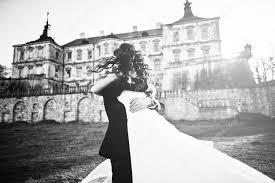 愛の背景古い V の魅力的でおしゃれな結婚式のカップル ストック写真
