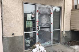 the whole door was gone witness recounts alleged kidnapping at kelowna apartment