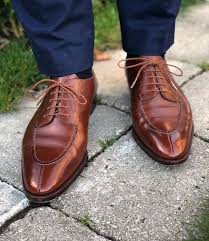 shoes that fit good and have healthy nice creases