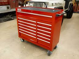 wood vs metal top tool chests