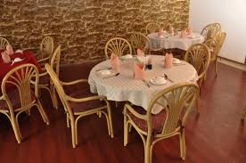 large round tables kowloon garden chinese restaurant quiet and spacious