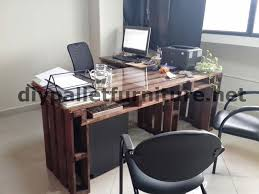 office desk europalets endsdiy. In The Offices Of \u201cEcoeficiencia Gestión Ambiental\u201d Ecuador Consequently They Only Use Furniture Made From Pallets Office Desk Europalets Endsdiy
