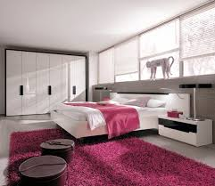 Modern Pink Bedroom Design  QNUD