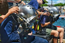u s department of defense photo essay navy divers conduct training in hawaii
