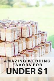 Cute wedding favor wrapping idea with brown cardboard paper and lace
