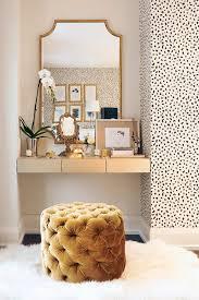 be9536ed0aff0cdf7521d5b0c57adc73 accent wallpaper wallpaper closet