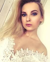 longhair longhairstyle polish instaphoto insta makeup makeuplover naturalmakeup blueeyes pinklips sesjaising whitedress