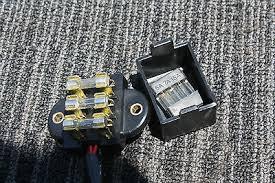 honda oem cb500 cb550 cb750 cb 550 motorcycle fuse box 3 fuse honda oem cb500 cb550 cb750 cb 550 motorcycle fuse box 3 fuse circuit fusebox