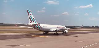 Review: Air Italy A330 Business Class - Live and Let's Fly