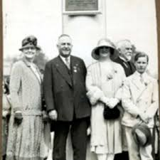 Marchioness Townshend and her son with Mayor and Mrs. Ralph Bauer at  flagpole dedication, 1929 - Digital Commonwealth