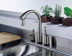 Interior Stylish Kitchen Design Using Best Kitchen Faucet - Kitchen faucet ideas