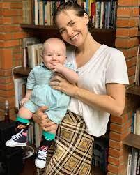 Letícia Colin celebra os cinco meses do filho Uri com foto rara do pequeno  - Jetss
