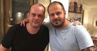 With julius ševčík he wrote the screenplay for the ševčík`s film restart released in 2005, he is the screenwriter of 16 episodes of comeback tv series as well. Rozdeleni Pri Porodu Zpevak Xindl X Pry Vypada Jako Dvojce Herce Z Ordinace Blesk Cz