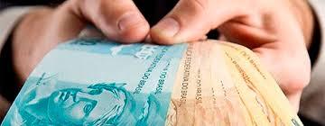 Image result for Quase 30% da população mais pobre comprometem metade da renda com empréstimos