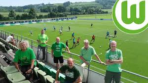 Need details on original colors? Trotz Corona Funf Wolfsburg Fans Im Trainingslager Dabei Sportbuzzer De
