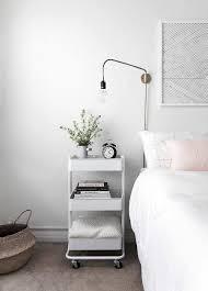 Witte Slaapkamer Ikea Luxe Witte Trolley Als Nachtkastje In De