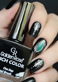 black nail art designs and ideas 37