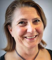 Iris Keenan, Associate Fundraising Consultant | IE Digital