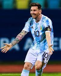 Lautaro Martinez opens the score. Messi ...