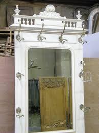 Perfect Detail Porte Manteau Peint