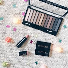 review of make up revolution iconic 1 palette by ellemma