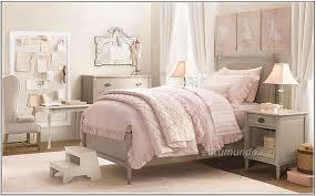 Pink And Cream Bedroom Minimalist Bedroom Minimalist Bedroom Pink Theme Little Girls