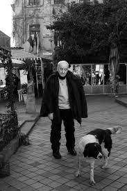Известный художник, сценарист, режиссер и скульптор, основатель тбилисского театра марионеток (1981 год). Rezo Gabriadze 84 Goda Centr Dokumentalnogo Kino Facebook