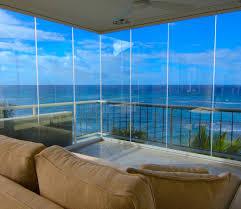 closed 90 degree wrap around frameless glass corner