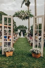 vine outdoor wedding entrance decoration ideas with old door