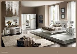 Camere da letto complete con letto a baldacchino: letto di design
