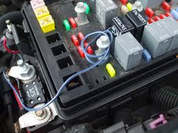 mystery hot wire in fuse box!? chevy trailblazer, trailblazer ss 2006 trailblazer ss fuse box click image for larger version name tb mystery wire 001 jpg views 2737 2006 Trailblazer Ss Fuse Box