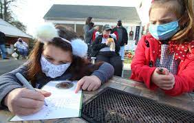 Family brings Christmas to the children of Ranlo