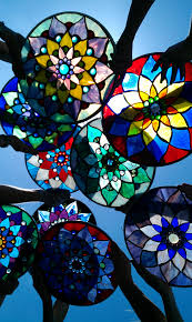 14 mandalas intermediate class 60 glass you will make a 14 fully finished piece in one morning using the no days mosaic adhesive