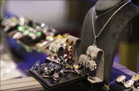 the italian luxury jewellery at the mideast watch and jewellery show