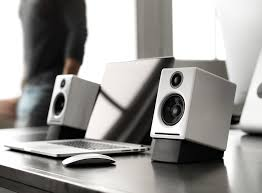 audioengine a2 w powered desktop speakers hi gloss white