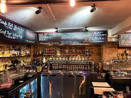 Malt คราฟท์เบียร์บาร์ 30 แทป เมืองโฮจิมินห์