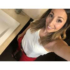 Alba Aguirre (@alba.aguirre)   Photos and Outfits on 21 Buttons