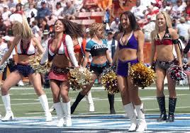 <b>cheerleader</b> - Wiktionary