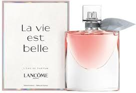 <b>Lancome La vie</b> est belle EdP 100ml in duty-free at airport ...