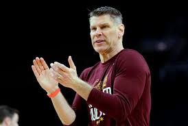 Loyola coach Porter Moser says he is staying | Men's College Basketball |  pantagraph.com