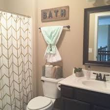 Glamorous Small Apartment Bathroom Decorating Ideas