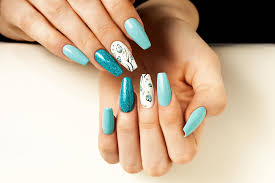 why travel for miles to feel the ocean breeze when you can wear it on your nails
